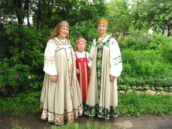 Народная одежда в восточнославянских традиционных обычаях
