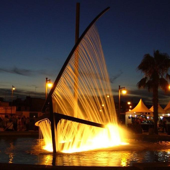 фонтан лодка дерево
